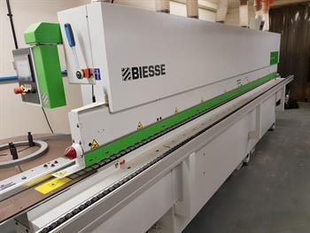 Biesse Jade 240 Edgebander Fully Automatic Corner Rounding Edge Banding Machine.